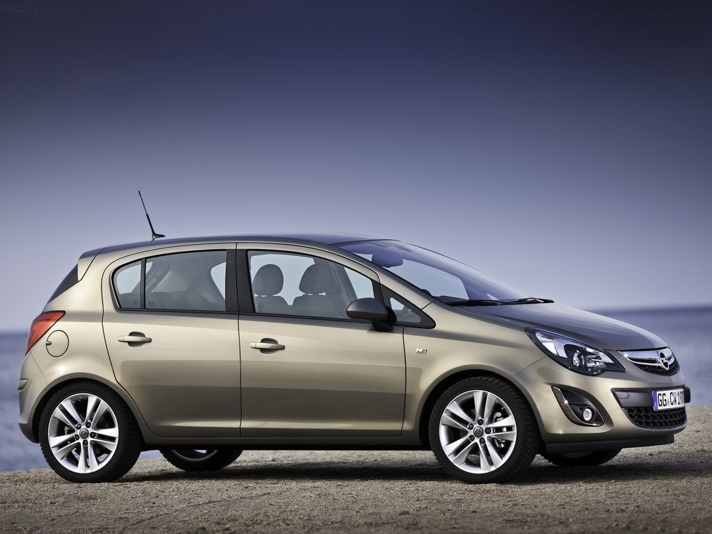 2013-Opel-Corsa