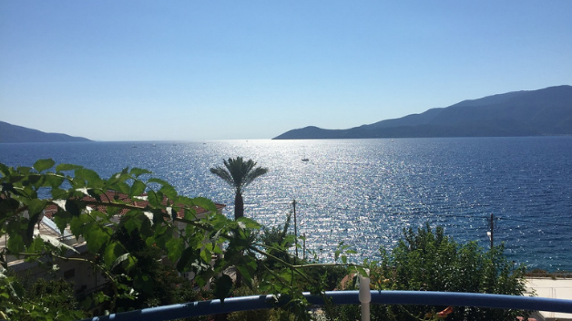 Rent a car to explore Kefalonia